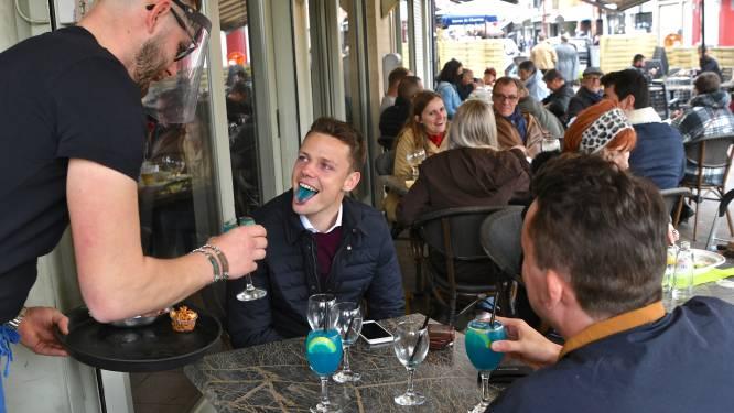 """Brasserie Novada verwelkomt eerste eters op terras: """"Al van 11.30 uur present voor aperitief"""""""