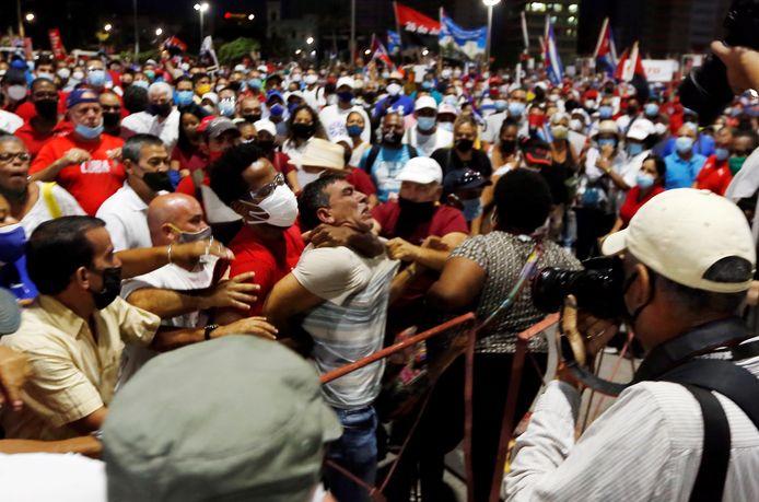 Protesten in Havana, Cuba, op 17 juli 2021. (EPA/Ernesto Mastrascusa)