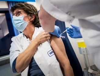 """Voorlopig geen verplichte vaccinatie voor zorgpersoneel: """"We moeten twijfelaars informeren, maar wel in hun waarde laten"""""""