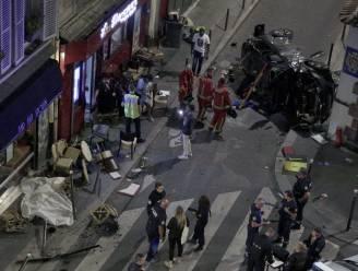 Auto knalt op terras van bar in Parijs: één dode en zes gewonden