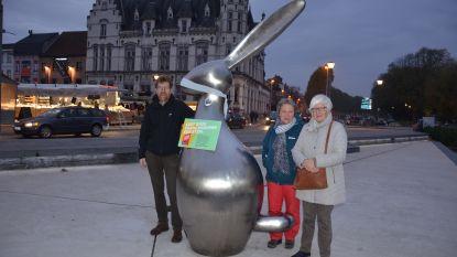 11.11.11 snoert Lokerse standbeelden de mond