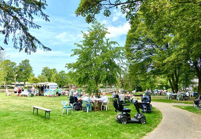 Het Westdampark was vorige zomer een middagje een pannenkoekenrestaurant.