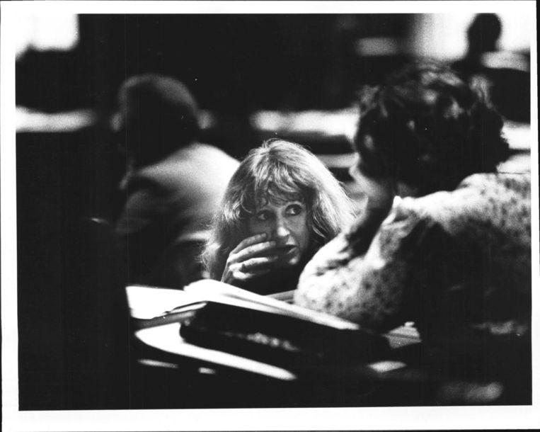 Hedy d'Ancona in 1981 tijdens het abortusdebat in de Eerste Kamer. Beeld Wim Ruigrok