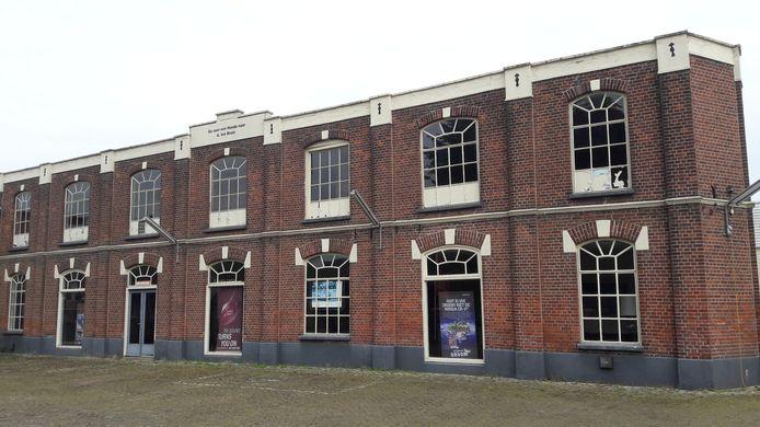 De voormalige knopenfabriek in Bredevoort zoals deze eruit zag voor de renovatie. Archieffoto DG