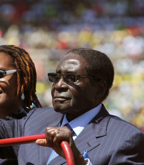 Afgetreden president Mugabe krijgt minstens 10 miljoen mee