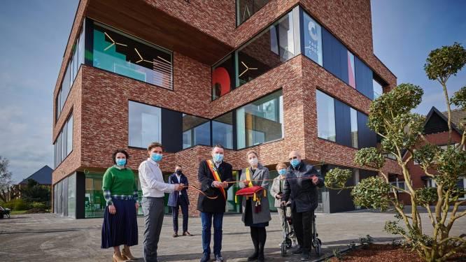 Nieuw kantorencomplex 'COMMA' geeft rotonde in Hechtel een moderne touch