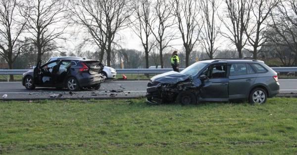 Ongeluk met drie autos zorgt voor vertraging op A1 richting Deventer.