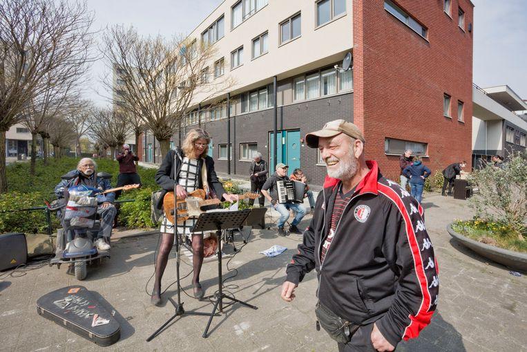 Tweebosbuurtbewoners tijdens een vreedzaam protest tegen de sloopplannen. Beeld Otto Snoek