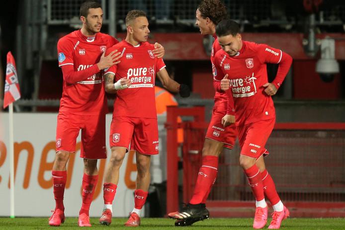 De competitiewedstrijden Sparta Rotterdam - ADO Den Haag en FC Emmen - FC Twente worden mogelijk al komende week ingehaald.