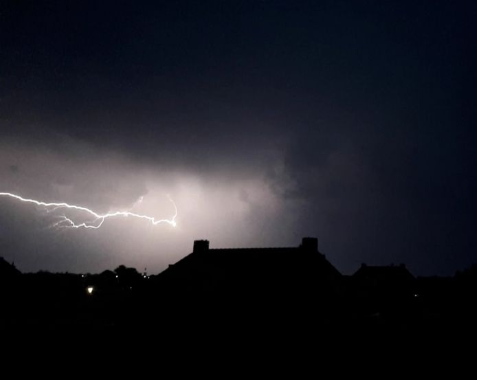 Onweer in IJsselmuiden, Oosterholt noord.