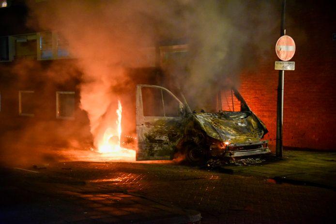 Des départs de feu ont été constatés partout à Rotterdam la nuit de lundi à mardi