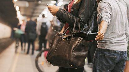 Zakkenrollersbende in Athene steelt 3.500 euro per dag van toeristen