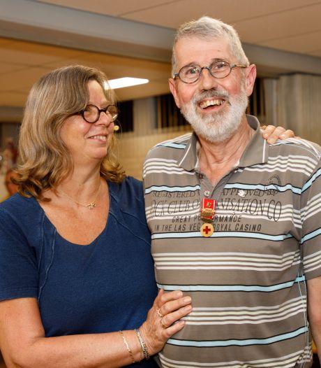 Rode Kruis-man Hans Verbeek krijgt van Oisterwijk een Blijk van Waardering