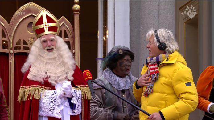 Sinterklaas bij het Grote Pietenhuis aan de Dieuwertje Blokkade.