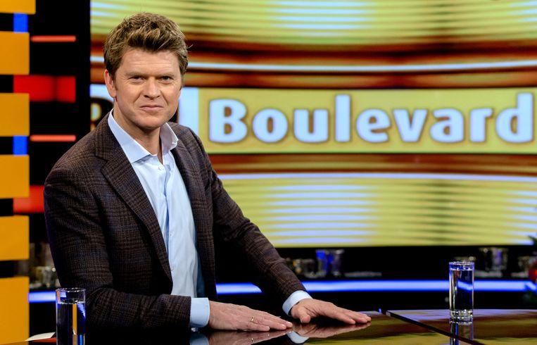 Presentator Beau van Erven Dorens wordt geïnterviewd door Wilfred Genee. Beeld anp