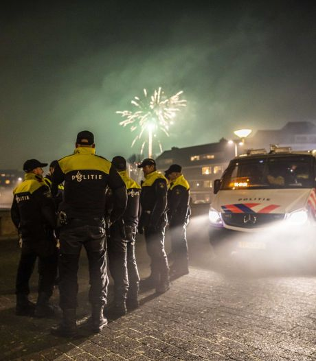 LIVE   Weinig vuurwerkslachtoffers, brandweer bijna 4000 keer gealarmeerd, veel autobranden