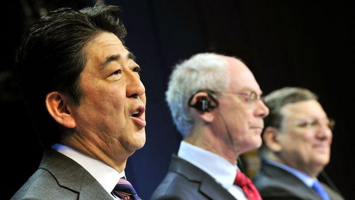 Shinzo Abe, Herman Van Rompuy et Jose Manuel Barroso.