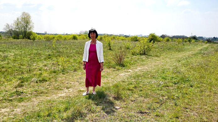 Zaventems burgemeester Ingrid Holemans aan de voormalige zandgroeve in Sint-Stevens-Woluwe.