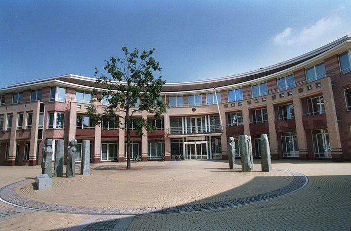 Het gebiedsverbod gold tijdens de jaarwisseling onder meer in het gebied rondom het gemeentehuis in Valkenswaard.