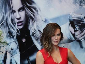 """Kate Beckinsale sloeg op haar 17de alcohol af in hotelkamer Weinstein: """"Hij noemde mij later 'kut' en bedreigde mij"""""""