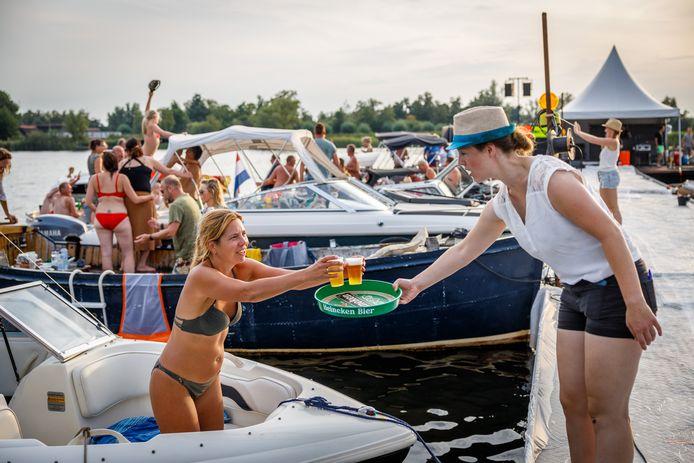 Vorig jaar organiseerde de Stichting Evenementen in Belt-Schutsloot voor het eerst een Vaar-In. Dit jaar komt er geen feestje op het water.