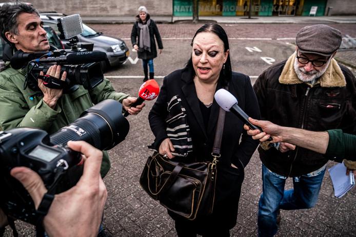 Advocaat Inez Weski verlaat de extra beveiligde gevangenis in Vught.