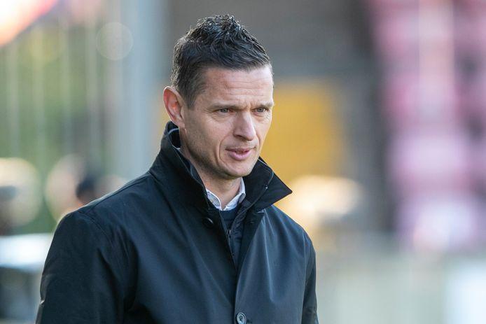 Trainer Rogier Meijer van NEC tegen Go Ahead Eagles.