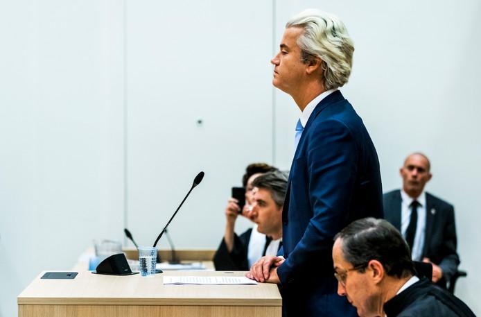 Geert Wilders vorig jaar tijdens het proces in de zwaarbeveiligde rechtbank bij Schiphol.