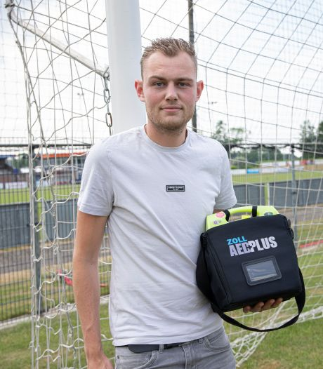 Rik redde bij Terneuzense Boys het leven van medetrainer, die net als Eriksen plots omviel op het veld