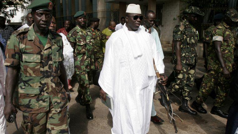 De Gambiaanse president Yahya Jammeh tegen wie vorige week een couppoging werd gedaan Beeld ap