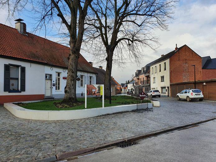 Het pleintje voor Thuisbrouwerij Florik in Wechelderzande.