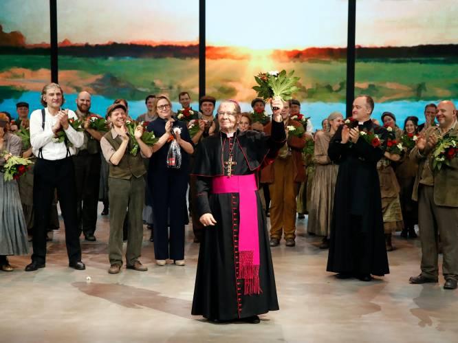 """Jo De Meyere (82) hervat rol van bisschop in 'Daens': """"Een klein hartinfarctje krijgen en dan sterven in de armen van Daens. Dat zou prachtig zijn"""""""
