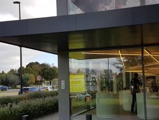 Nederlandse ramkrakers riskeren drie jaar cel na inbraak in elektrozaak Switch in Sint-Martens-Latem