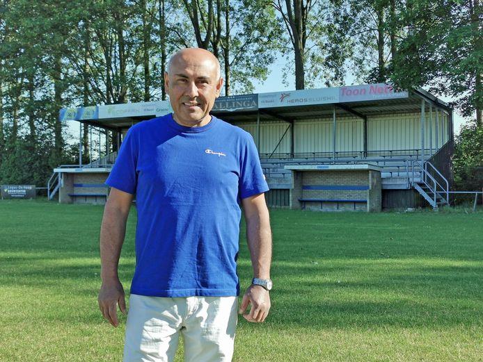 Sinds 1 juli was Halil Atmac de nieuwe voorzitter van voetbalclub Sluiskil. Hij heeft de club niet nieuw leven in kunnen blazen. Weinigen wilden helpen.