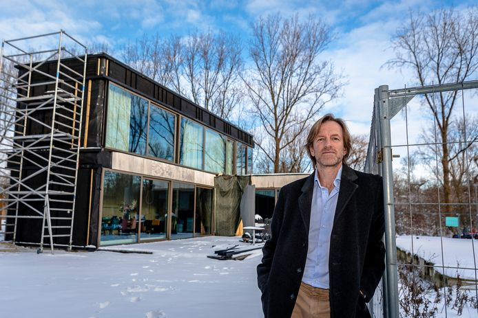 Het huis van Jan-Willem Verheij is bijna klaar. ,,Ik moest alles zelf regelen en oplossen.''