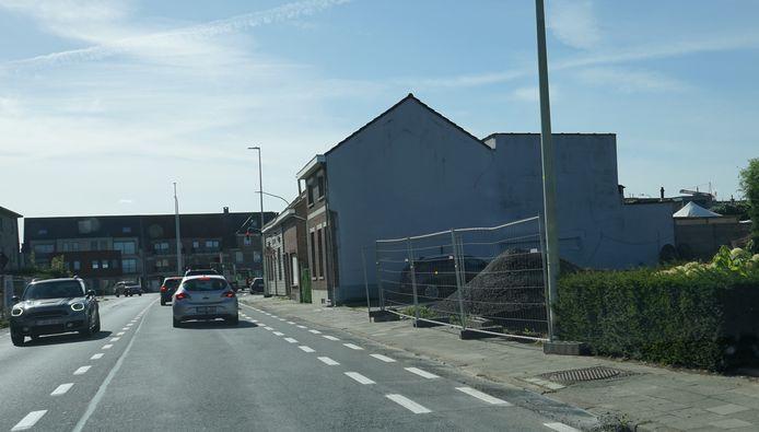 Voor de nieuwe verkaveling wordt een insteekweg aangelegd rechtover de gemeenteschool De Toren.