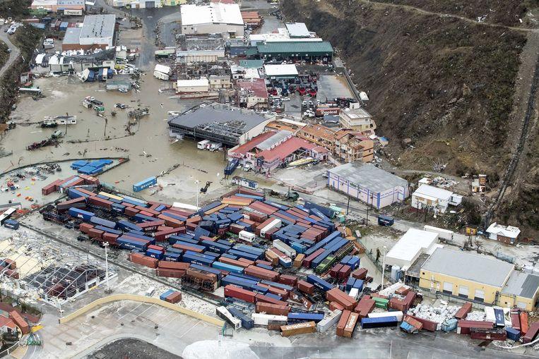 2017-09-06 21:52:36 PHILIPSBURG  - Luchtfotografie van de schade aan de haven op Sint-Maarten na orkaan Irma. De NH90 helikopter van Zr. Ms. Zeeland een eerste verkenningsvlucht gevlogen over de eilanden Saba, Sint Eustatius en Sint Maarten. ANP HANDOUTS MINISTERIE VAN DEFENSIE / GERBEN VAN ES **NO ARCHIVE, NO SALE, EDITORIAL USE ONLY* Beeld ANP Handouts