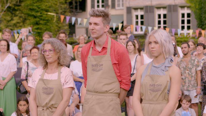 De drie finalisten van 'Bake Off Vlaanderen', met rechts winnares Jaline
