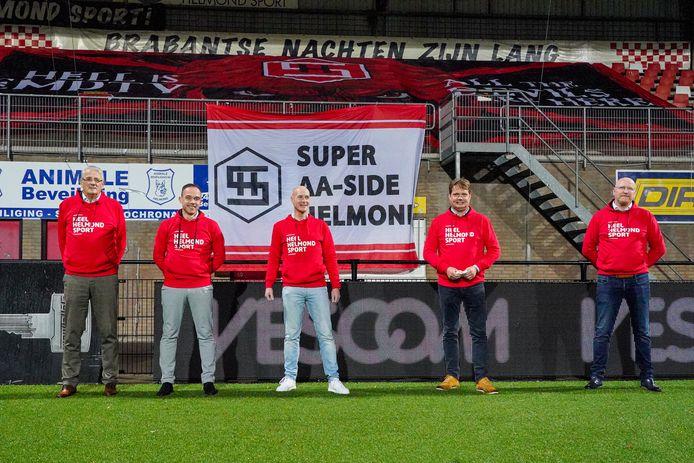 Het bestuur van Helmond Sport, met Pieter-Paul Saasen (tweede van links) en Philippe van Esch (midden).