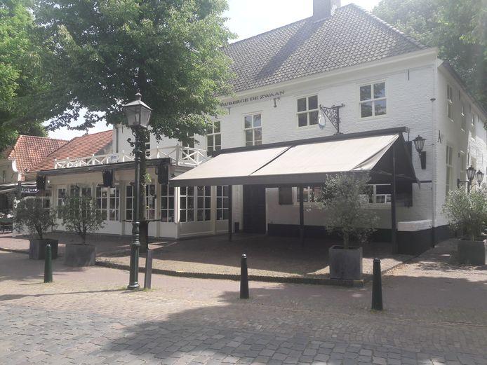 Vooraanzicht van De Zwaan, aan de Markt in Oirschot. (Archieffoto)