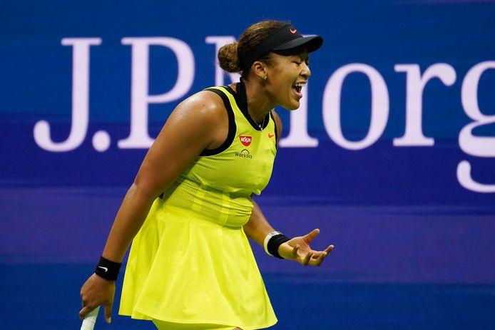 Naomi Osaka tijdens haar verloren derderondepartij op de US Open tegen de Canadese Leylah Fernandez.