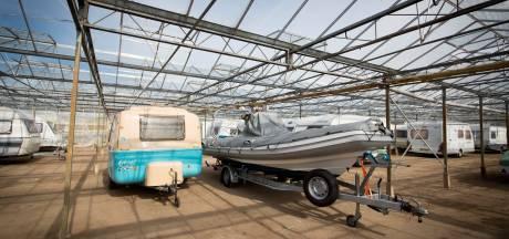 Illegale stalling caravans in kassen voorbij, eind dit jaar plannen voor toekomst van gebied rond Huissen