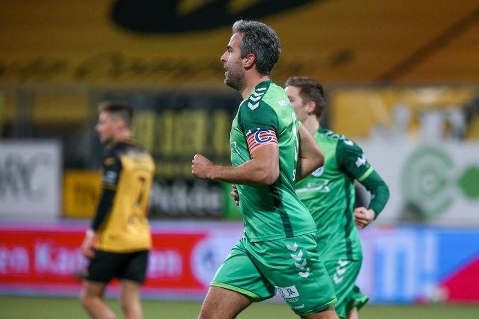 Ralf Seuntjens opent de score namens De Graafschap.