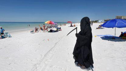 Man verkleed als Pietje de Dood teistert stranden in Florida om bezoekers af te schrikken
