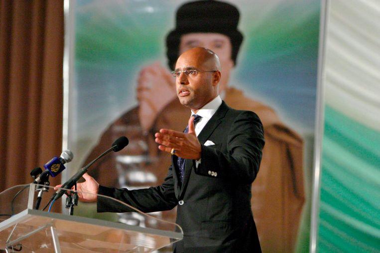 Na tien jaar grotendeels te zijn weggeweest, plant Saif al-Islam al-Kadafi nu zijn politieke comeback.  Beeld EPA