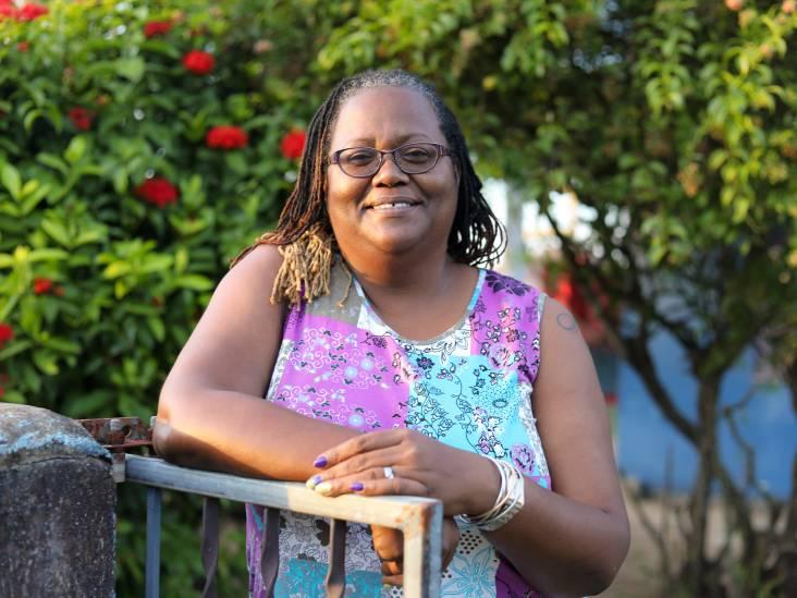 Moeder Jeangu mogelijk niet bij songfestival: 'Hoop dat Hugo de Jonge met me meedenkt'