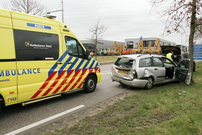 Bij een kettingbotsing in Goor raakte een persoon gewond.