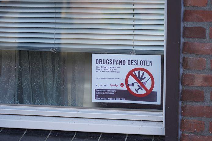 Omwonenden zijn geïnformeerd over de sluiting van de woning.