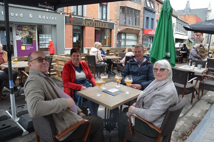 Rufin Wauters en zijn gezelschap hebben het gemist om een terrasje te doen.