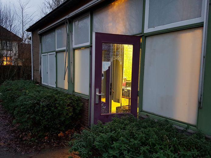 Onbekenden hebben zich met geweld toegang verschaft tot de Voedselbank in Zierikzee.